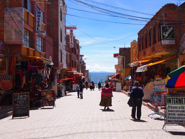 copacabana-titicaca-lake-bolivia-1